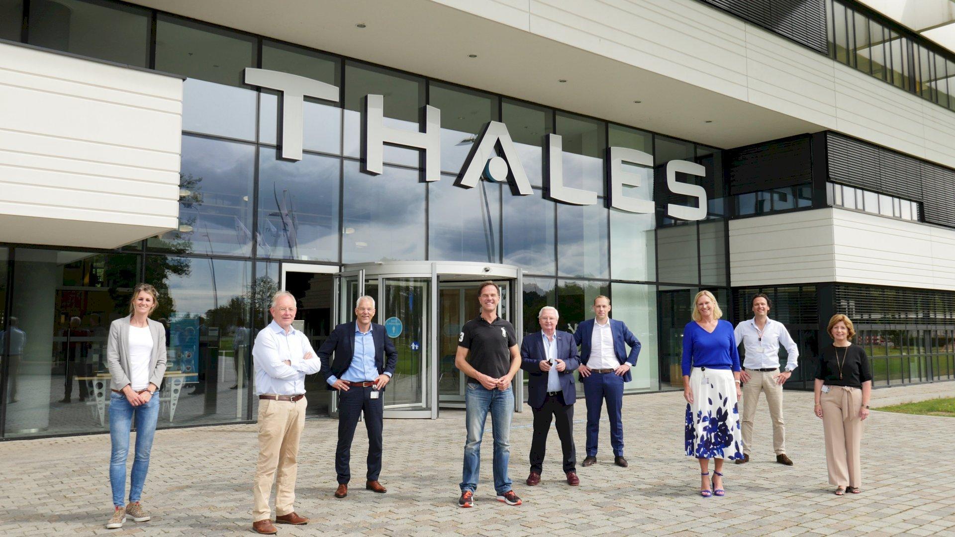 Minister-president Rutte brengt bezoek aan Thales Hengelo