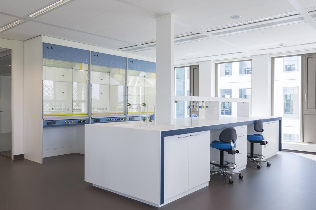 laboratoriummeubilair en zuurkasten