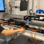 Schleifenbauer investeert in nieuwe assemblagelijn voor kleine series rack-PDU's