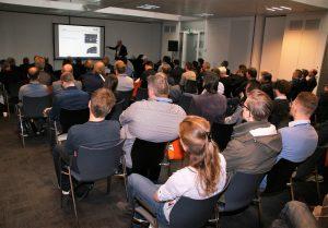 Publiek presentatie van Acal BFi over diffusers