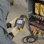 De Fluke 430-serie II: driefasen PQ Analyzers meten energieverspilling en berekenen de kosten ervan